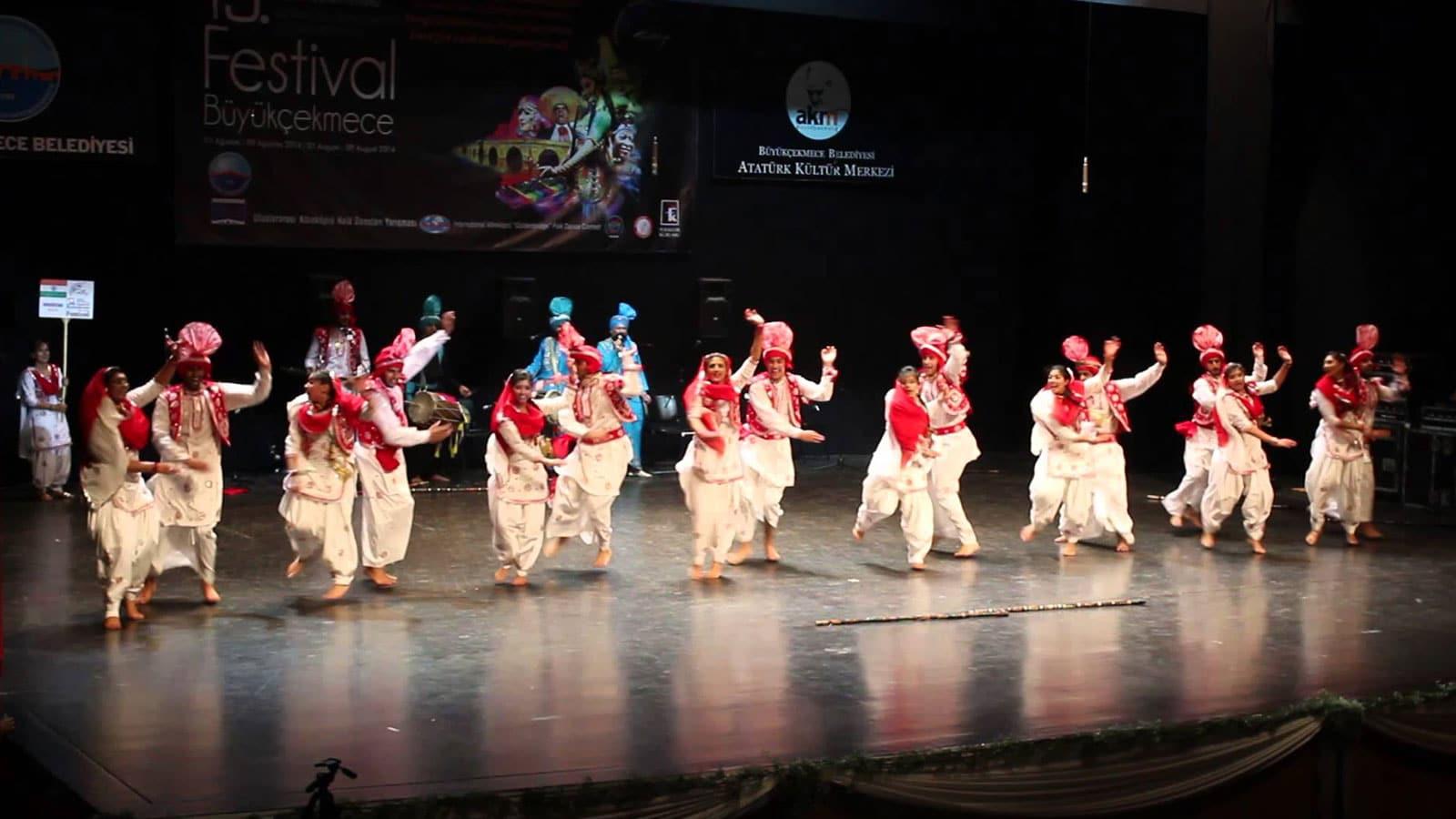 12 Months of Cultural Festivals Around Australia