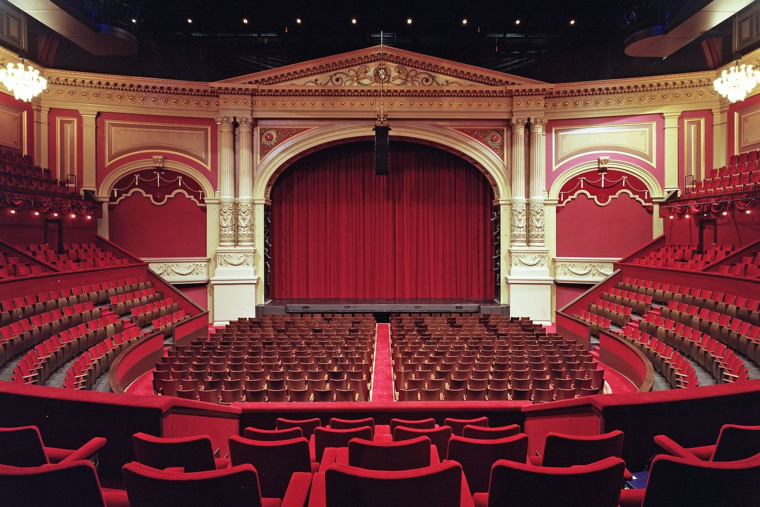 Know the Benefits of Buying Theater Tickets Online